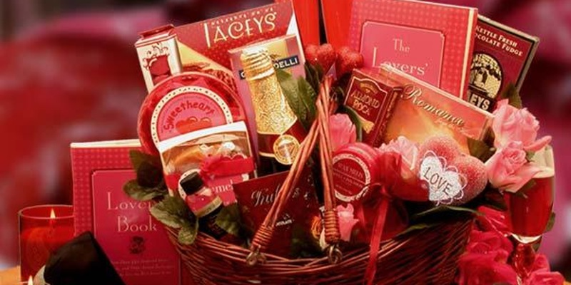 Give Valentine's Day Gifts That he Will Thinking About You