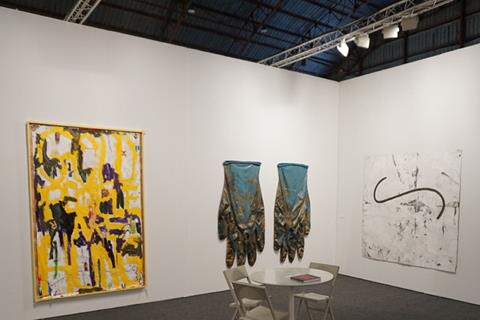 Art Los Angeles Contemporary Returns To The West Coast