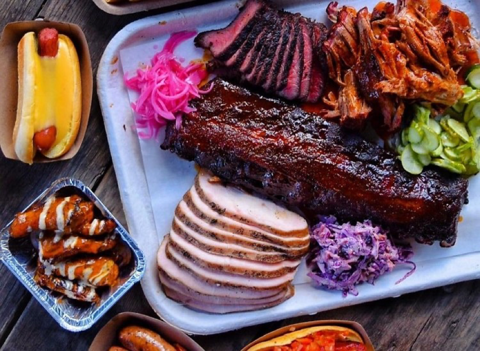Get Ready To Your Hands Dirty At The Best Bbq Restaurants In New York City Forget About Pizza Tonight And Enjoy Pit Smoked Brisket