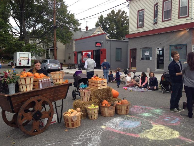 A Taste of Highland Park & Harvest Party Block Party