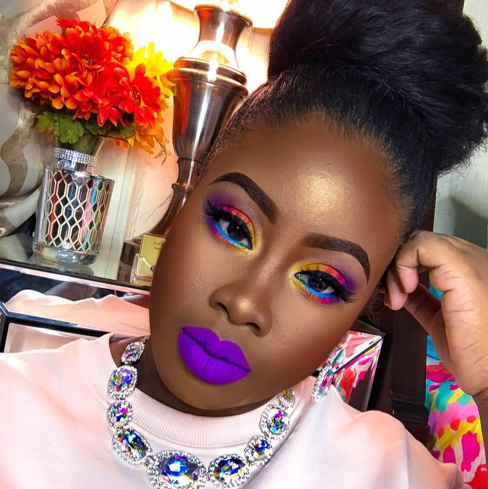 For many, learning how to put on makeup while following modern fashion can be both difficult and time consuming. If you've ever wanted to learn how to do ...
