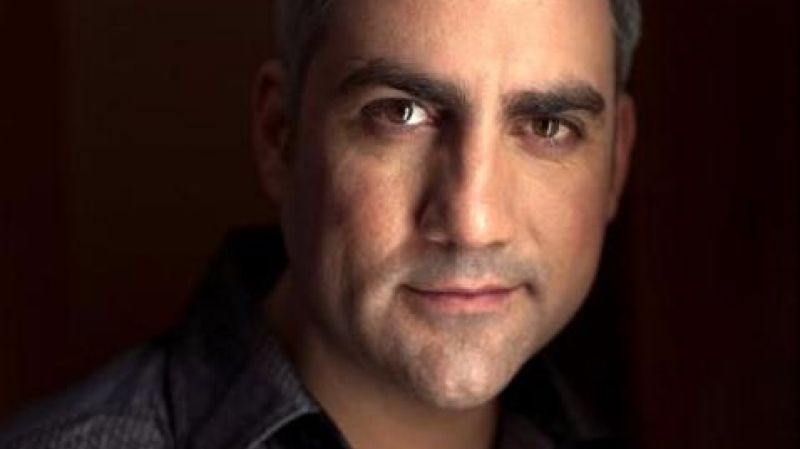 The Walker Center presents Taylor Hicks.